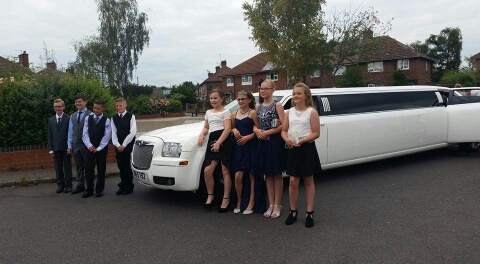 stretch limo hire for proms in Leeds