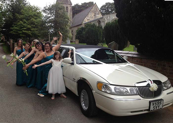 Lincoln Wave Limousine for weddings